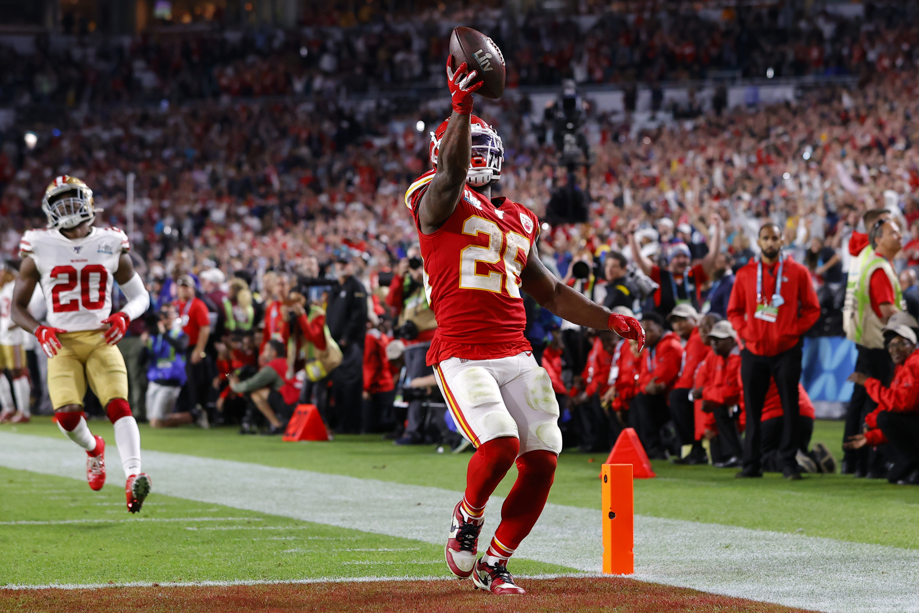Damien Williams Provides Explanation For His Decision To Sit Out The Season